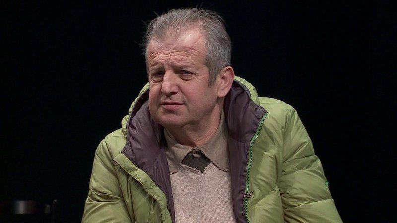 Kiço Londo lirohet nga detyra e drejtorit të Teatrit Eksperimental, e zëvendëson Altin Basha