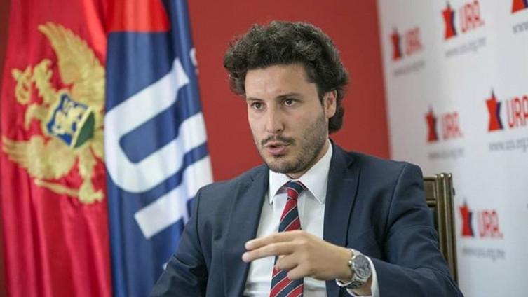 Qeveria e re në Mal të Zi, Abazoviç: Më kanë ofruar 21 mln euro për mos ta rrëzuar Gjukanoviç