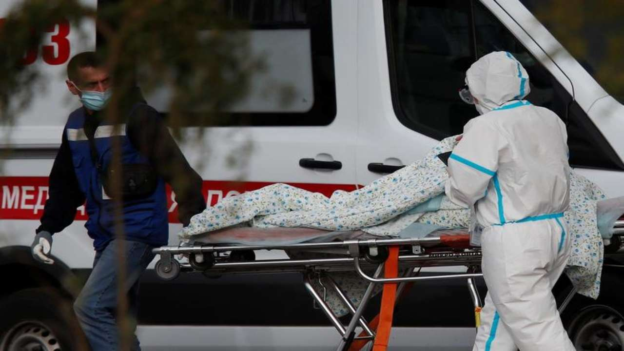 Numri i viktimave nga COVID-19 në Rusi 3 herë më i lartë se shifrat zyrtare