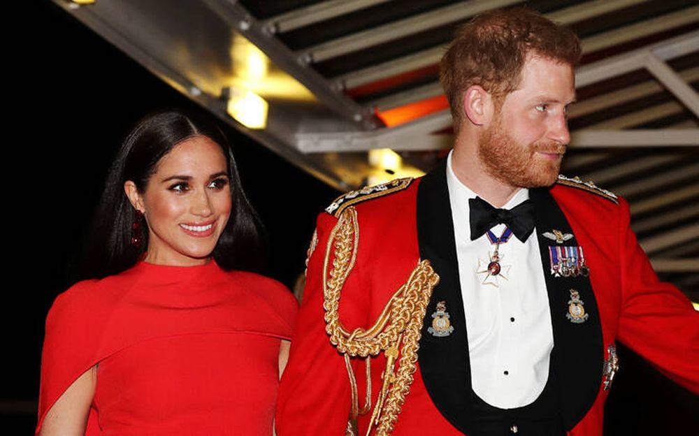 Princ Harry dhe Meghan bëjnë blerjet për Krishtlindje, por i ndodh e papritura në dyqan