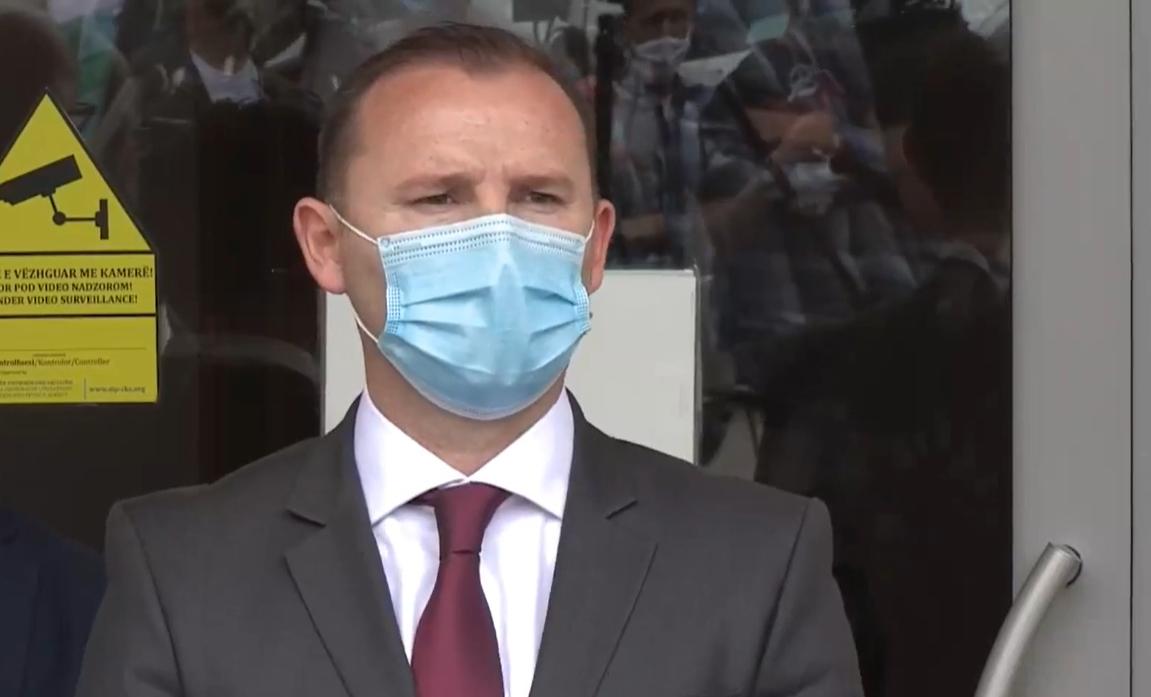 Ministri i Shëndetësisë në Kosovë: Nuk do të ketë mbyllje masive, janë shtuar kontrollet