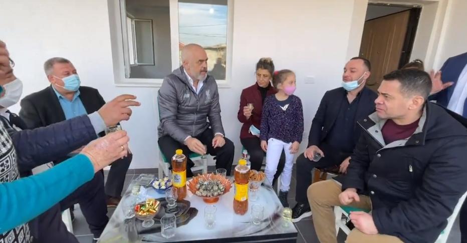 """""""Ti je i PD-së""""! Rama batuta në Shijak: Thuaj të vërtetën se po qesh gruaja"""