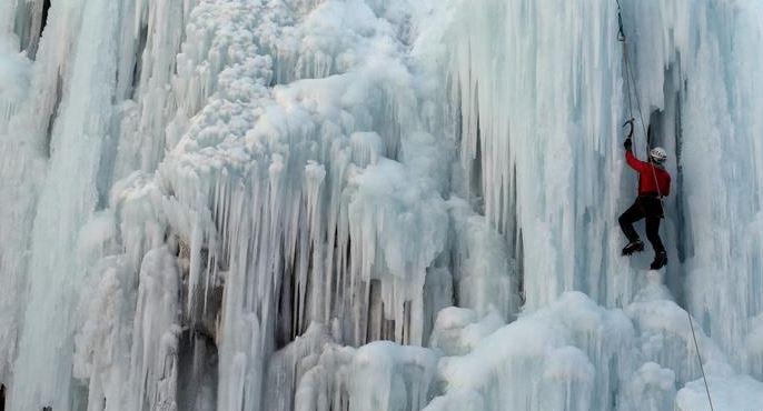 Stuhia e borës pushton Iranin, humbin jetën 10 alpinistë