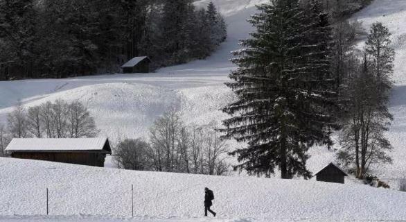 Pavarësisht Covid-19, rezortet e skive në Austri janë plot