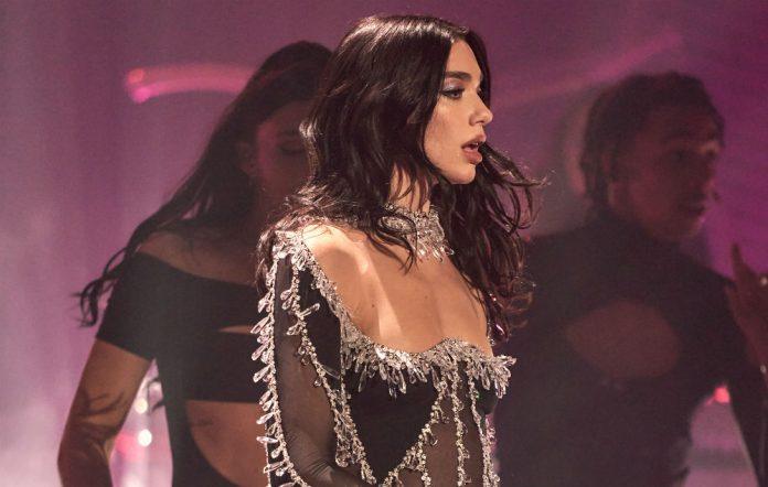Dua Lipa thyen një tjetër rekord, koncerti virtual ndiqet nga miliona shikues