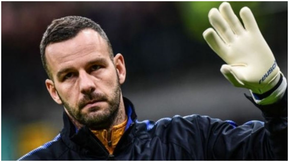 "Handanovic po ""plaket"", Interi gati t'i dhurojë shiritin talentit italian"