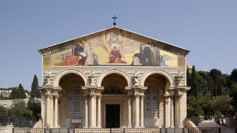 49-vjeçari i vë flakën kishës në Jeruzalem