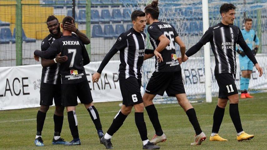 """Kyrian Nwabueze sërish lokomotiva, golat e Superiores të """"importuar"""""""