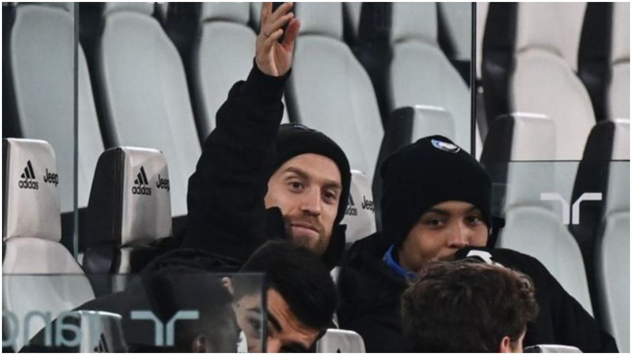 VIDEO/ E çuditshme, kapiteni i Atalantës këndon himnin e Juventusit