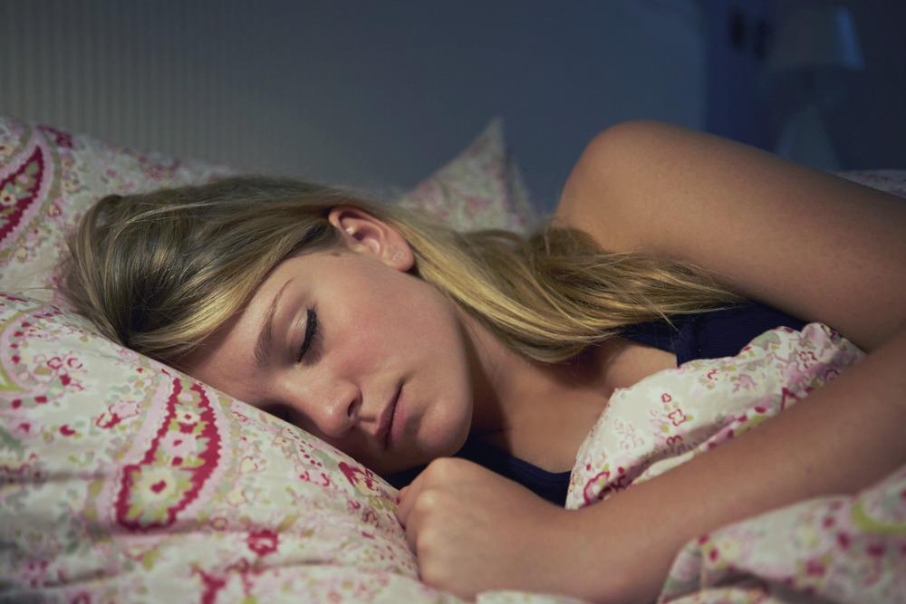 Tre hapat themelorë që do të ndryshojnë gjumin tuaj