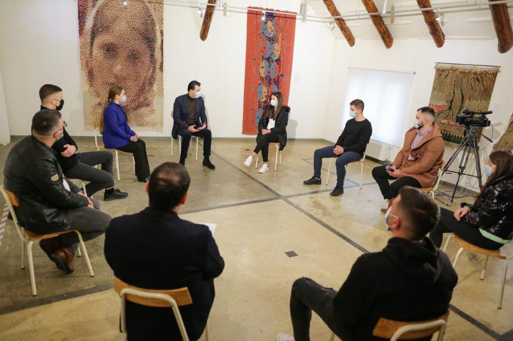 Basha me të rinjtë në Kukës: Arsimimi dhe punësimi, prioritetet tona