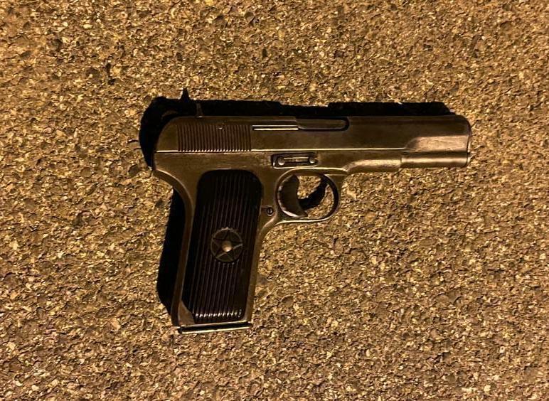 """""""Hyri me armë në lokal"""", """"Shqiponja"""" prangos 51-vjeçarin në Kurbin"""