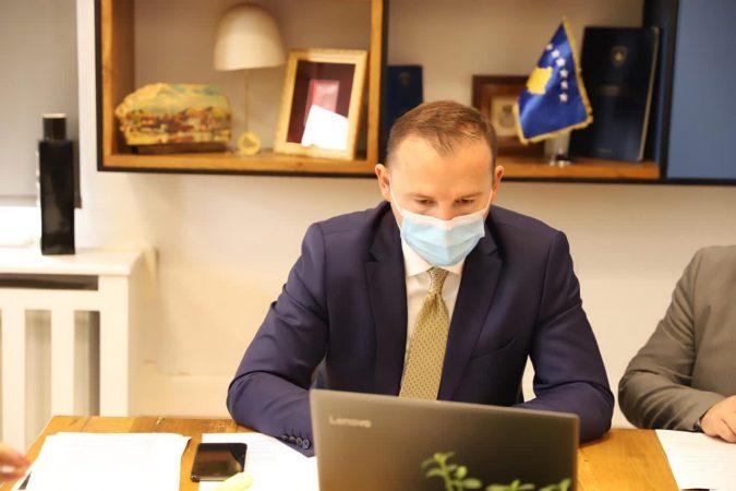 Zemaj: 20 për qind e vaksinës anti-covid në Kosovë do të jetë falas