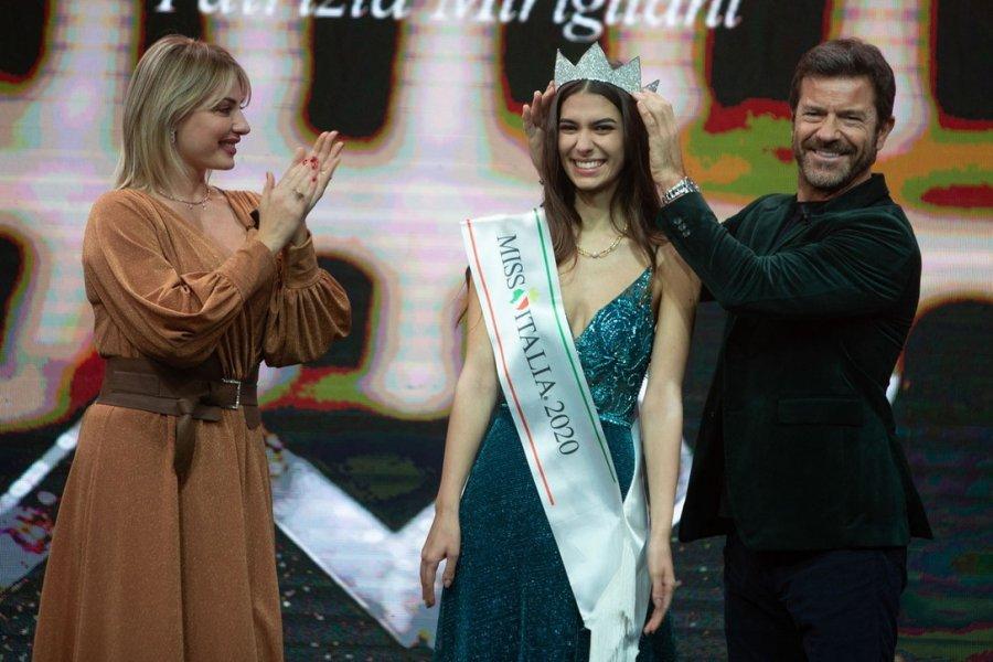 Shpallet Miss Italia 2020, kush është bukuroshja që rrëmbeu kurorën e bukurisë