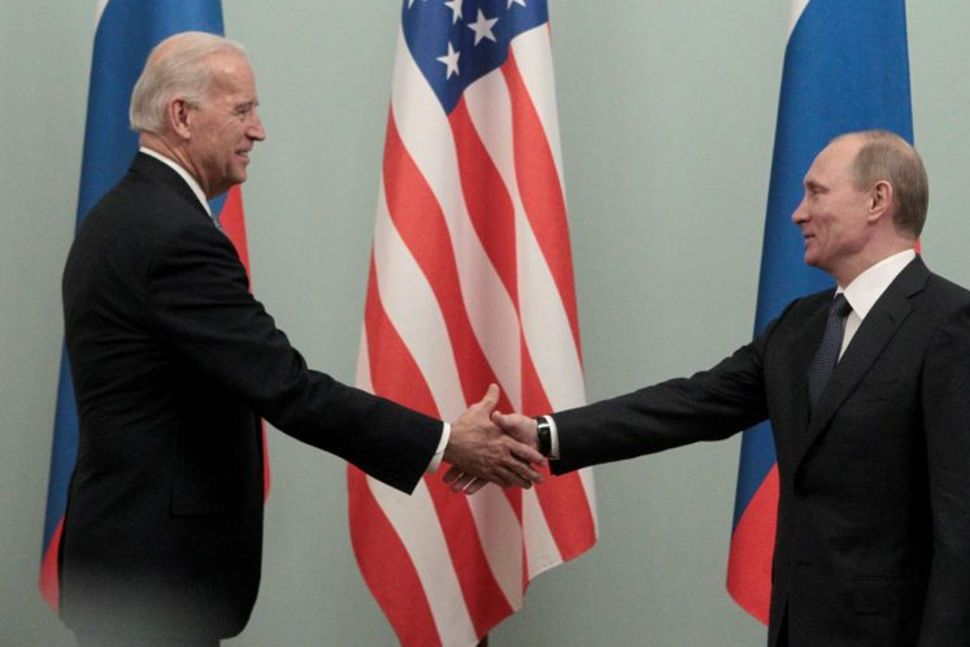 Priti për rezultatet zyrtare, Putin uron më në fund Biden për fitoren e zgjedhjeve