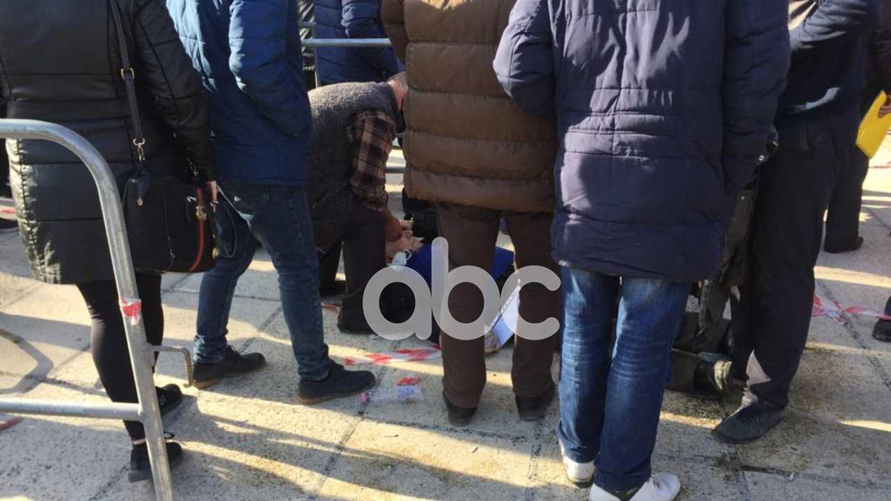 Grumbull në pandemi në Durrës, dy qytetarëve u bie të fikët, pritet shtyrja e afatit të aplikimit