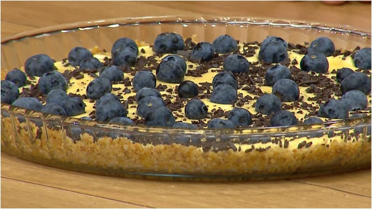 Ëmbëlsirë me boronicë e biskota – Receta nga Florenca Reçi