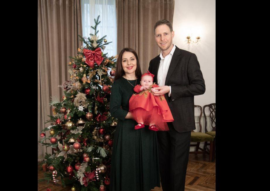 """""""Kartolina"""" për Krishlindje me Princeshën Geraldinë, Elia Zaharia ndan fotot familjare"""