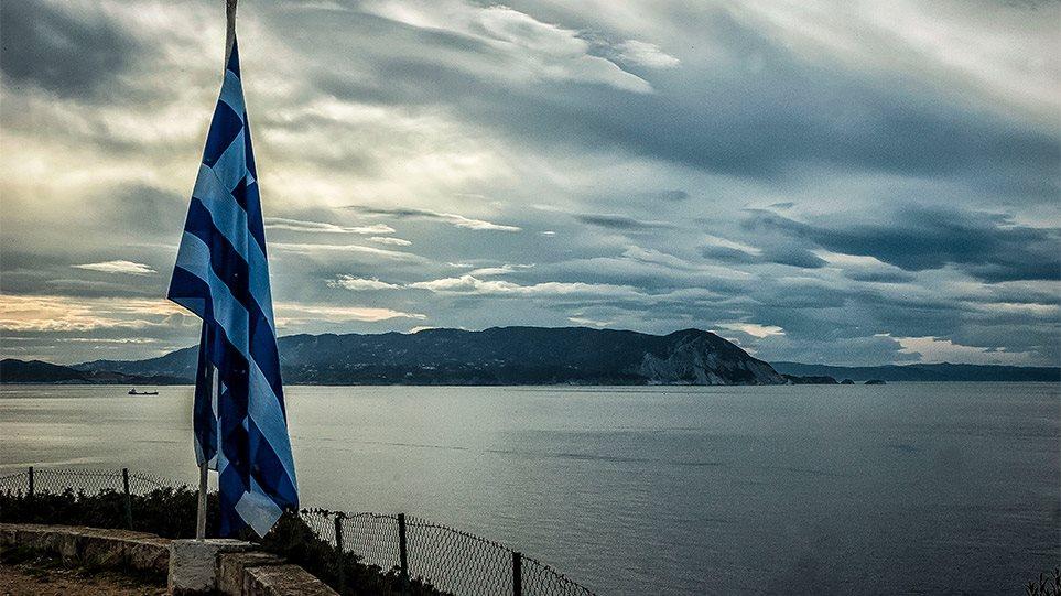 """Futet në fuqi zgjerimi me 12 milje në Jon, Greqia: E kemi të drejtën tonë! """"Vlon"""" debati në Tiranë"""