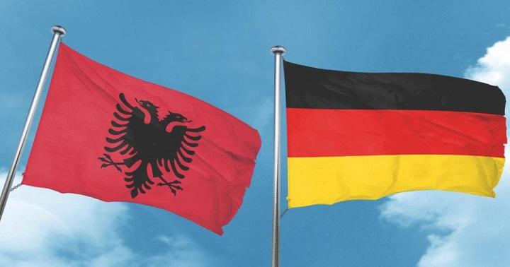 DW: Gjermania po përpiqet që të bëjë hapa përpara në çeljen e negociatave me Shqipërinë dhe Maqedoninë