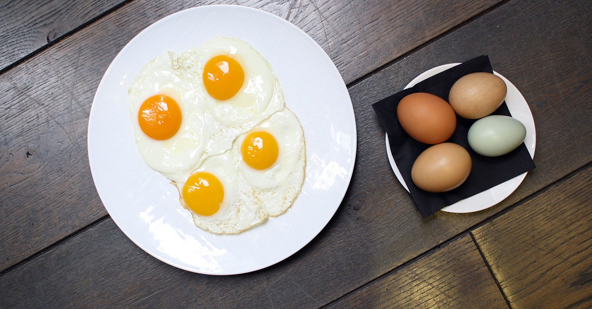Kjo është arsyeja pse e verdha e vezës ka ngjyra të ndryshme!