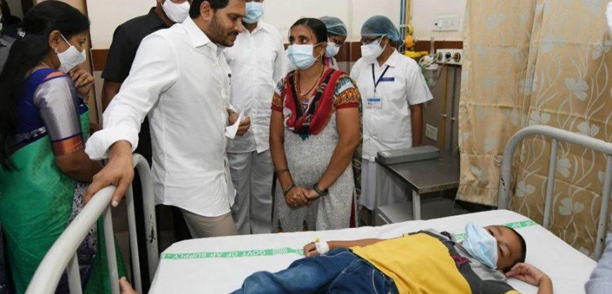 Sëmundja misterioze në Indi, shënohet viktima e parë, 200 të tjerë në spital