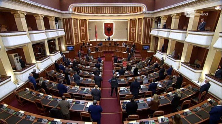 Kuvendi rrëzon dekretin e Metës për Ligjin e Policisë, miraton Komisionin e Posaçëm për Dick Marty