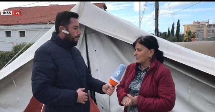 Viti i dytë në çadër, banorët e Durrësit: Nuk kemi festë, presim të futemi në banesë