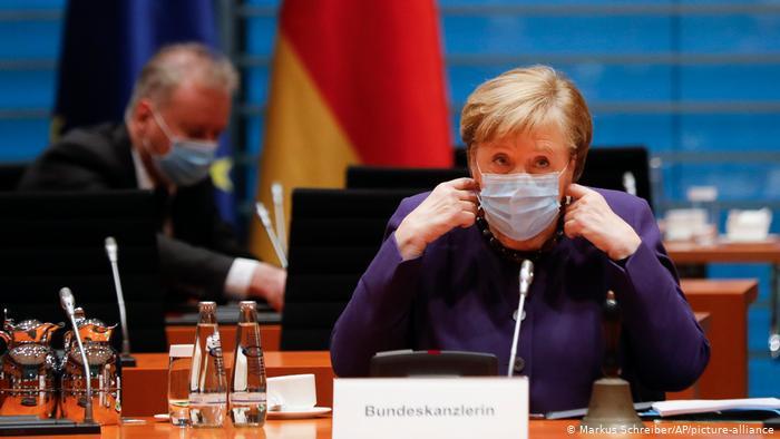 Merkel sheh dritë në fund të tunelit Corona