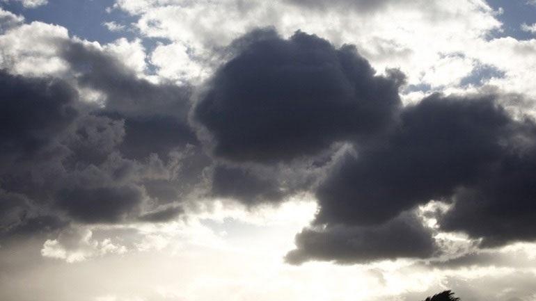 Dita nis me vranësira, priten reshje shiu në të gjithë vendin