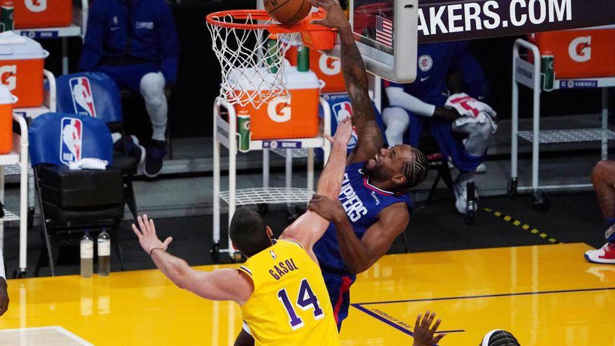 "VIDEO/ Durant udhëheq Clippers në derbi, Brooklyn e nis ""zjarr"" sezonin"