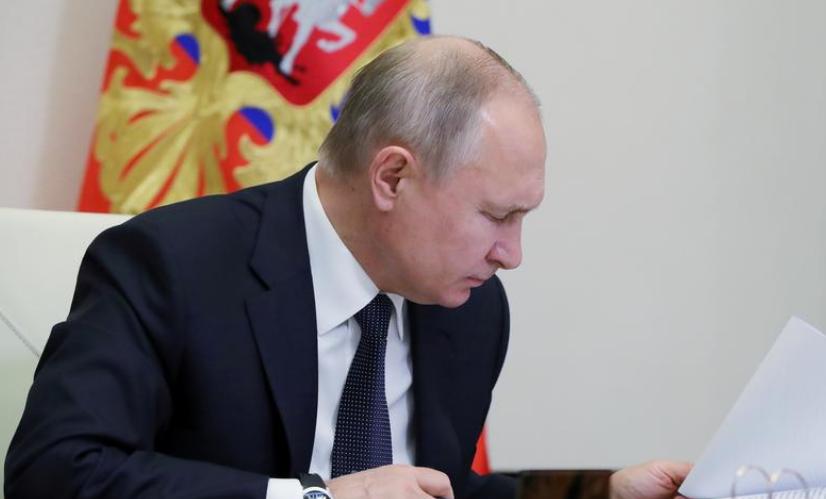 Putin vendos të vaksinohet me Sputnik V për koronavirusin