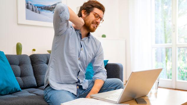 Katër gjëra të rrezikshme që ndodhin me trupin tuaj kur qendroni ulur për shumë orë