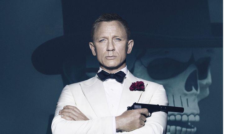 Shitet në ankand pistoleta e filmit të parë James Bond, zbulohet shifra marramendëse