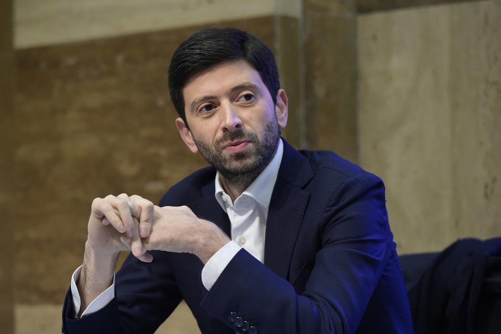 """""""Tashmë kemi armën për të fituar luftën"""", Italia pret që të vaksinojë 13 milionë banorë deri në prill"""
