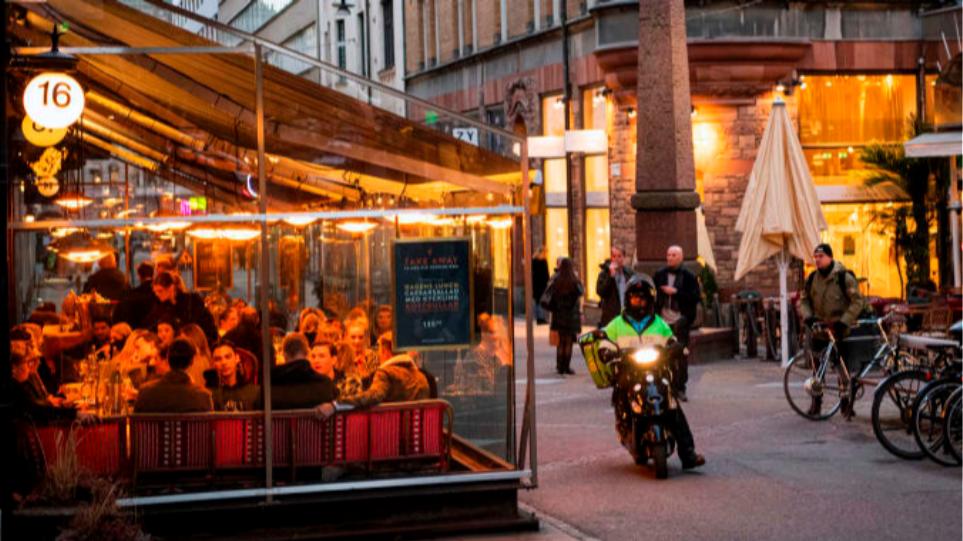 Qeveria suedeze merr masa më të ashpra për shkak të rritjes së rasteve me COVID-19