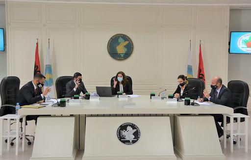 KQZ miraton propozimin e opozitës, ndalon qeverinë të japë koncesione 4 muaj para zgjedhjeve