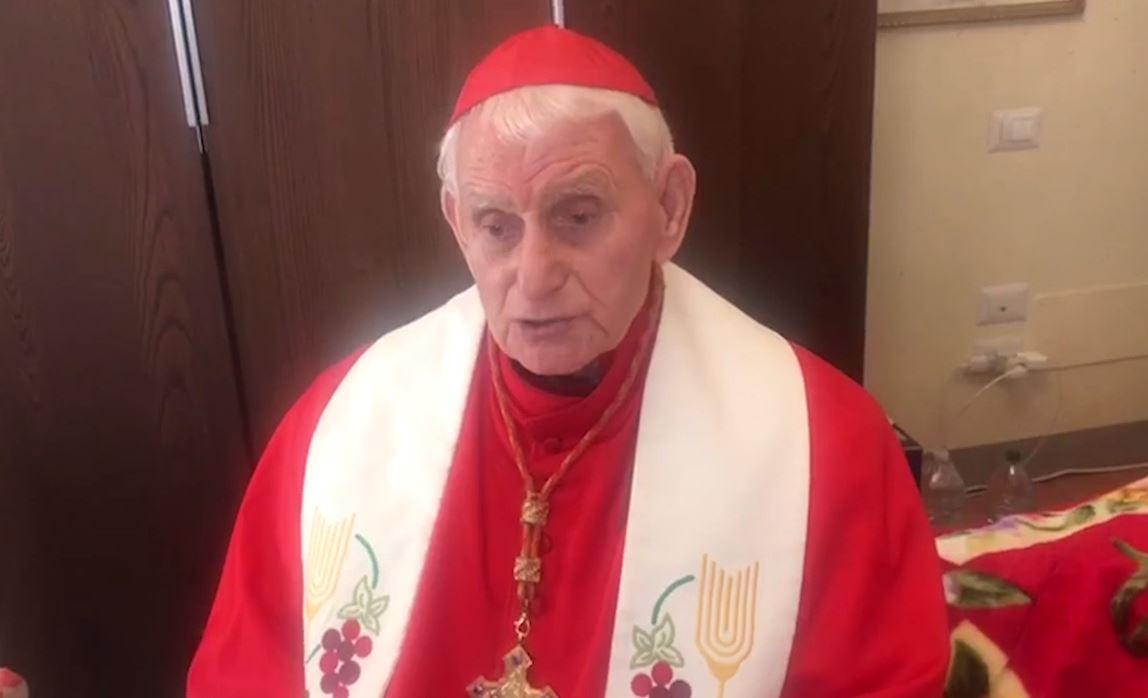 Kardinal Ernest Troshan Simoni: Krishti vjen me dhënë dritë dhe shpresë në këtë situatë të vështirë