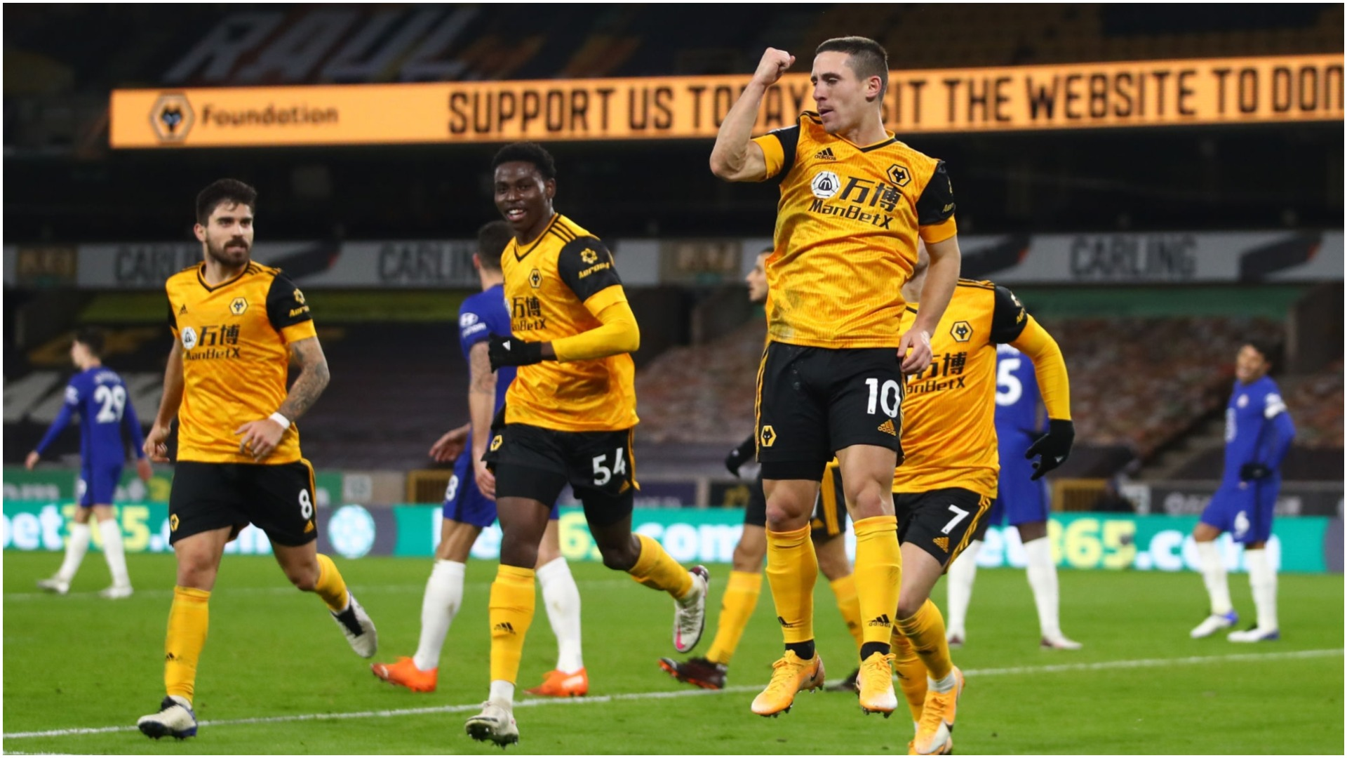 """VIDEO/ Wolves gjunjëzon Chelsean, një talent gëzon """"Ujqërit"""" në limite"""