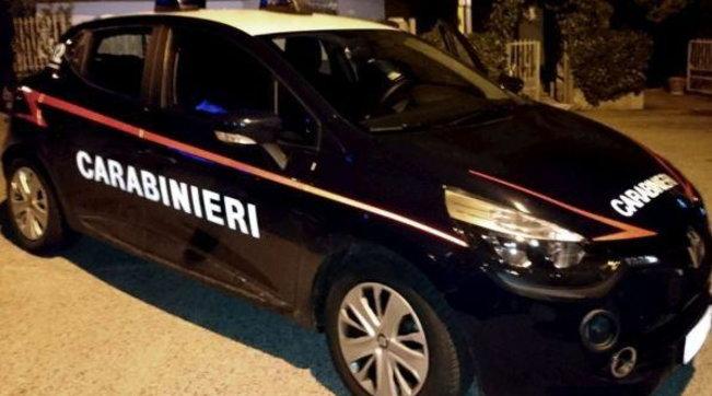 """Në """"arrest shtëpie"""", italiani thyen masën dhe shkon në polici: Nuk rri dot me gruan"""