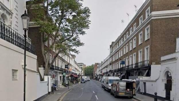 U prishën festën 200 personave në lagjen e shtrenjtë të Londrës, plagosen 2 policë