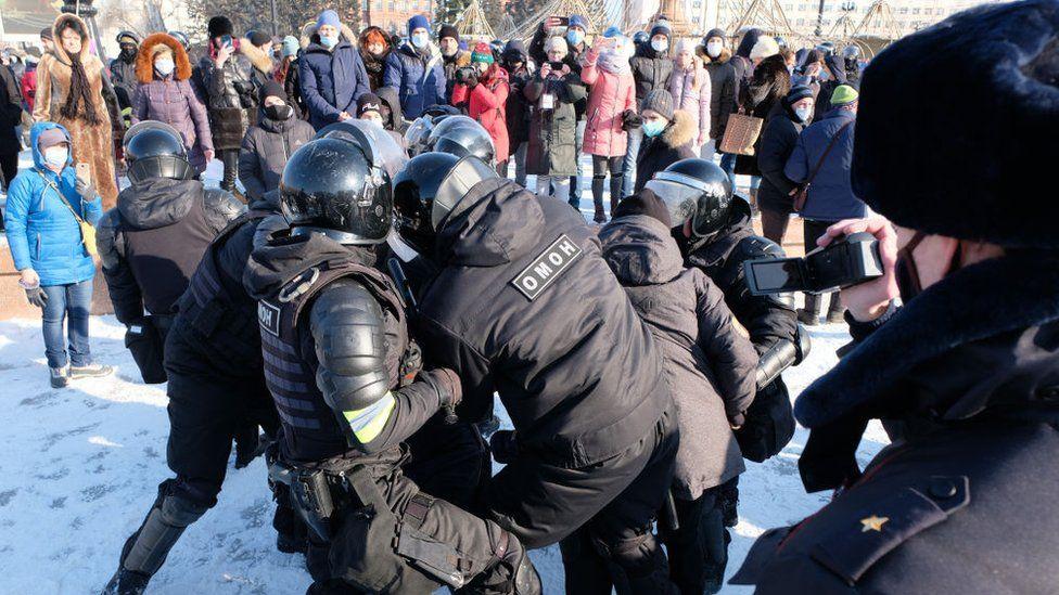 Shpërthejnë protestat në Rusi, arrestohen dhjetëra mbështetës të Navalny
