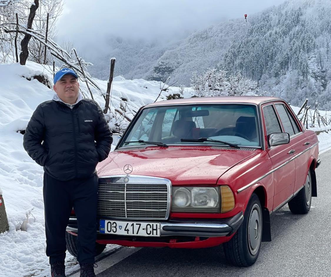 """Artan Hoxha zbulon """"bishën"""" që nuk e lë kurrë në baltë"""