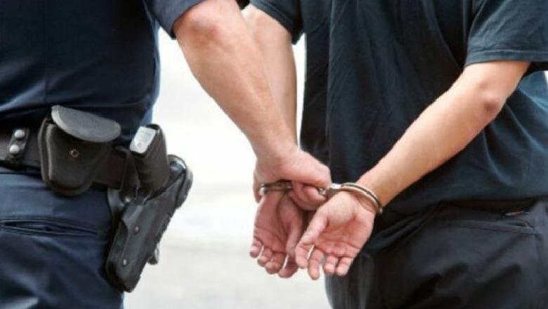 I ndryshonte datën e skadencës ushqimeve, arrestohet 62-vjeçari! Në pranga dhe 9 të tjerë
