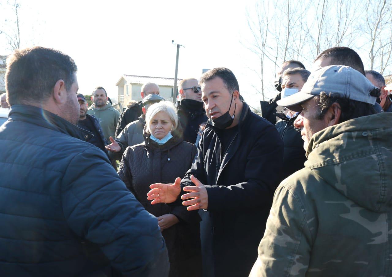 Peleshi në zonat e përmbytura në Durrës: Jemi në gatishmëri, duhen të mësojmë nga këto ngjarje