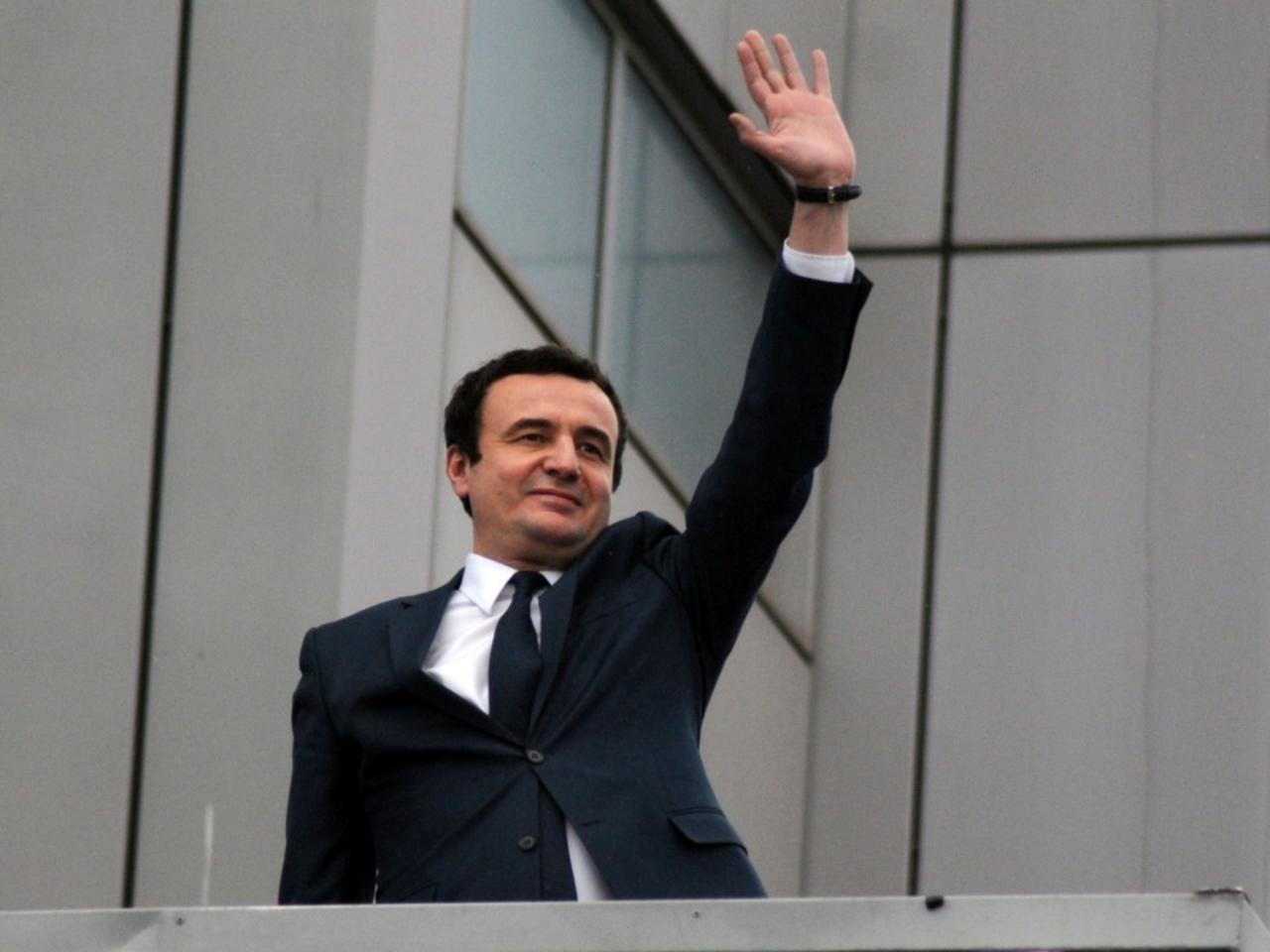 Kurti prezanton sloganin e Vetëvendosjes për zgjedhjet e 14 shkurtit