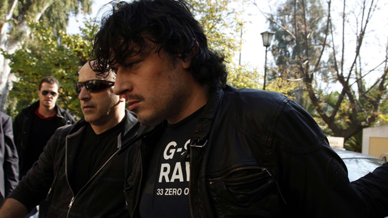 E dinin në burg, Alket Rizai trondit policinë greke - Abc News