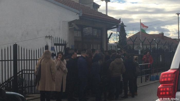 Shqiptarët presin më shumë se një vit për orar për vizë në ambasadat gjermane