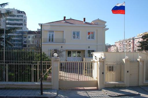 Reagon ambasada ruse në Tiranë: Dëbimi i diplomatit vë në dyshim marrëdhëniet tona