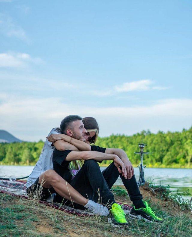 """2 muaj pasi tha """"Po"""", reperi shqiptar i jep fund martesës?"""